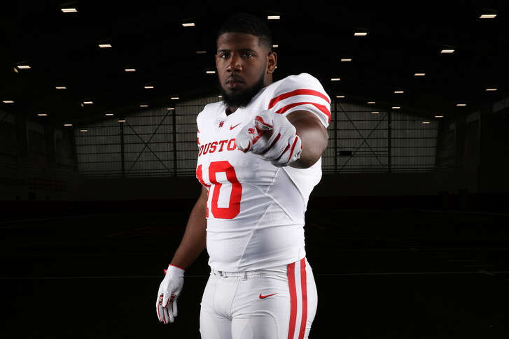 A New Year's six bowl and conference championships are among the things on Ed Oliver's to-do list before he leaves the University of Houston after this season.