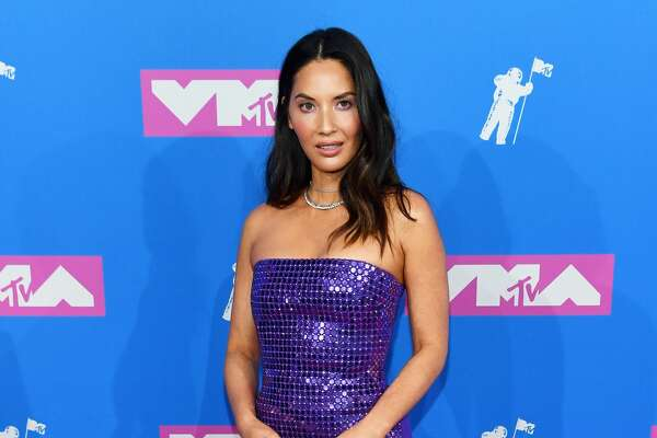 Metallic colors were a favorite on the red carpet, and Olivia Munn nailed it.