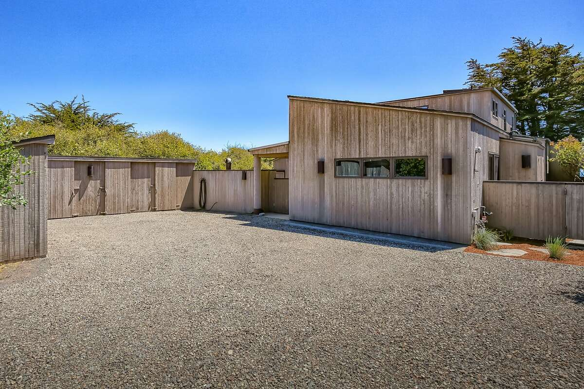 40481 Tide Pool in Sea Ranch is a four-bedroom conceptualized by Brodie Architecture and Design.