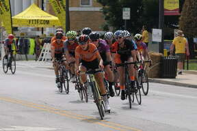 The Criterium Festival featured several professional and amateur races, free kids races, a pedal and paint art tent, free kids helmet fittings, food, and live music. The event was sanctioned by the USA Cycling Association and the Missouri Bicycle Racing Association. It also featured bicycle and non-bicycle activities for the whole family.