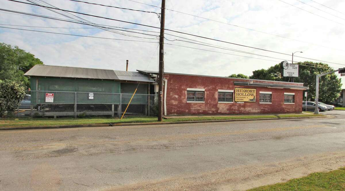 Braun Enterprises has purchased 101 Heights near Washington Avenue from Tony Riedel.HickoryHollow will consolidate to its original location at 8038 Fallbrook after January. Braun Enterprises is marketing the building for lease as a restaurant space.