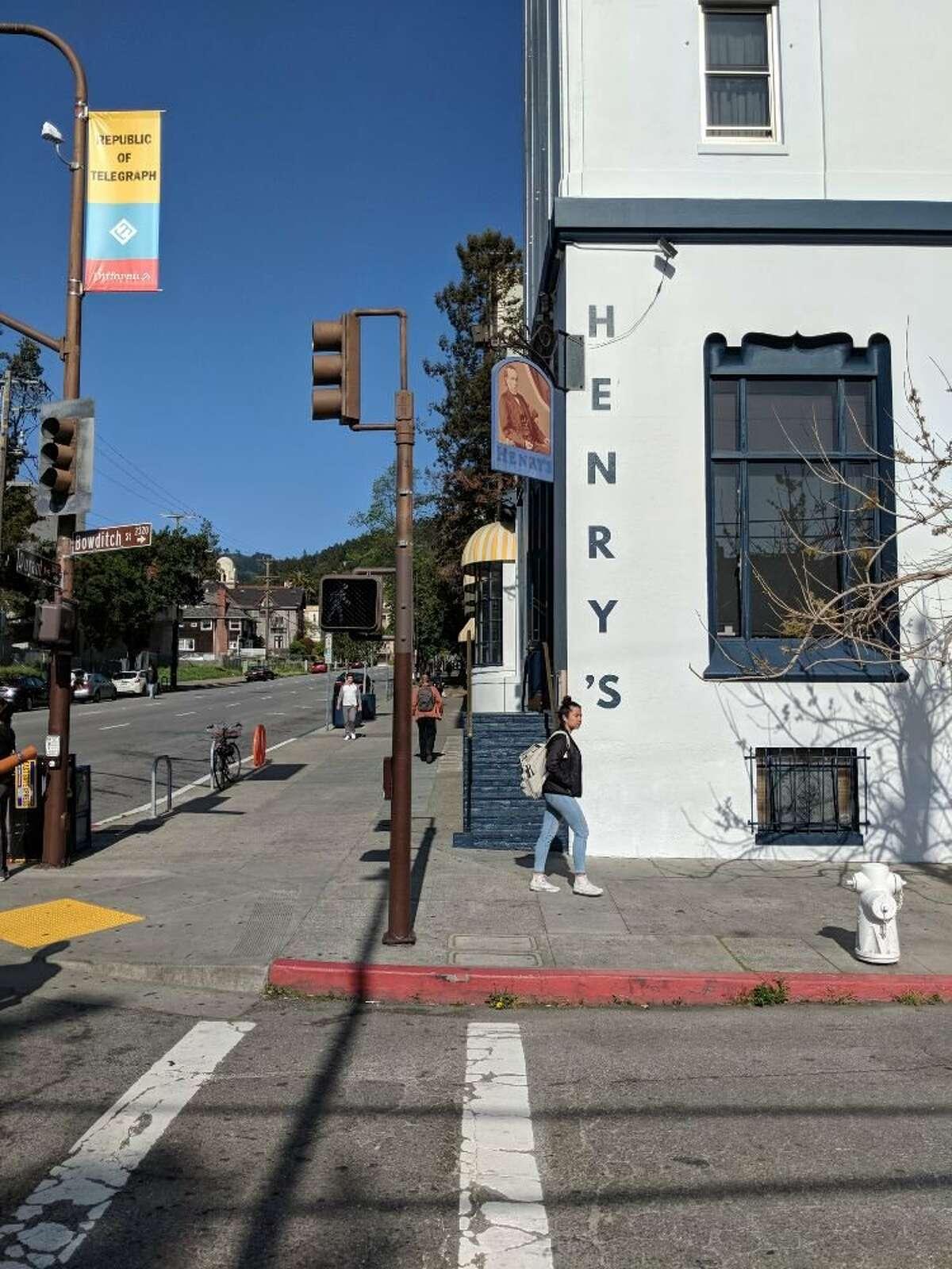10. Henry's, restaurant in Berkeley