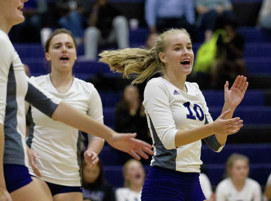 Willis' Isabelle Sundquist (10) reacts after scoring a point during the second set of a District 20-5A high school volleyball match at Willis High School on Tuesday, Aug. 21, 2018, in Willis. Photo: Jason Fochtman, Houston Chronicle / Staff Photographer / © 2018 Houston Chronicle