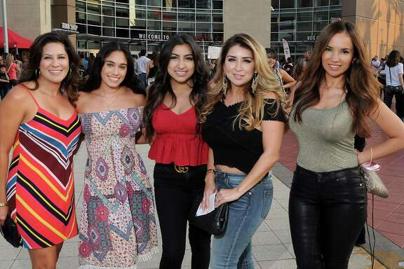Shakira fans outside the Toyota Center  Wednesday Aug. 22, 2018.(Dave Rossman photo)