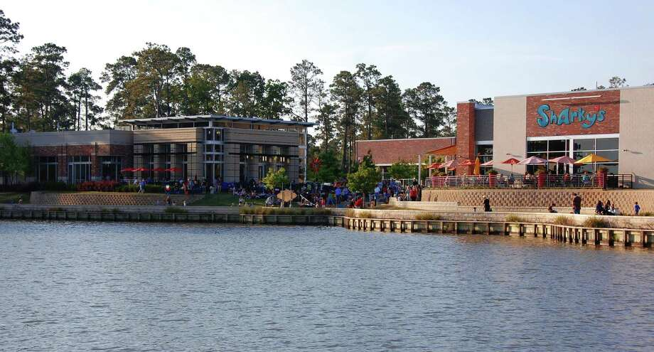 A mixed-use development on Lake Houston in Kingwood.  Photo: NA / Midway Cos. / handout