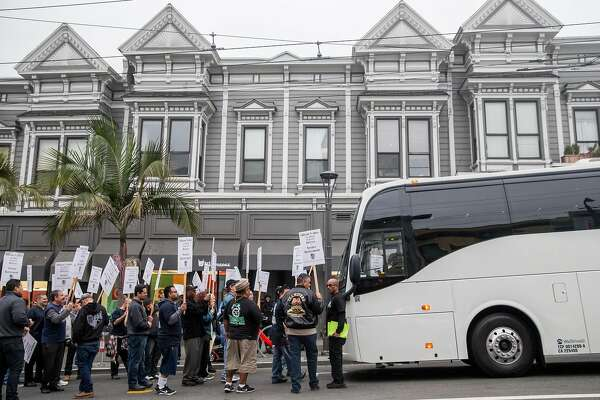 Teamsters block tech buses in Castro district protest