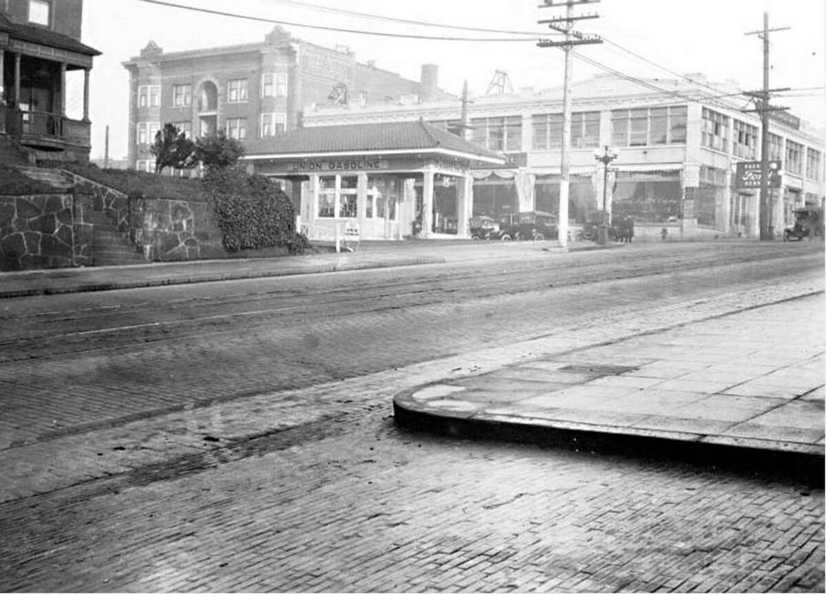 Pike Street from E. Crawford Place, photographed in 1920.
