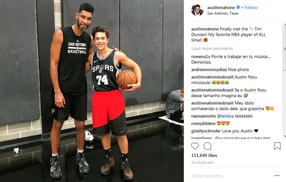 Popstar Austin Mahone hung out with Tim Duncan and Bryn Forbes at the team practice facility this week. Photo: Instagram Screengrab