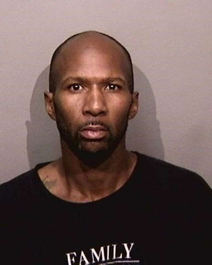 Donte Holloway, 39, is charged with murder after following the April death of  61-year-old Cindy Le. Photo: Alameda County Sheriff's Office /