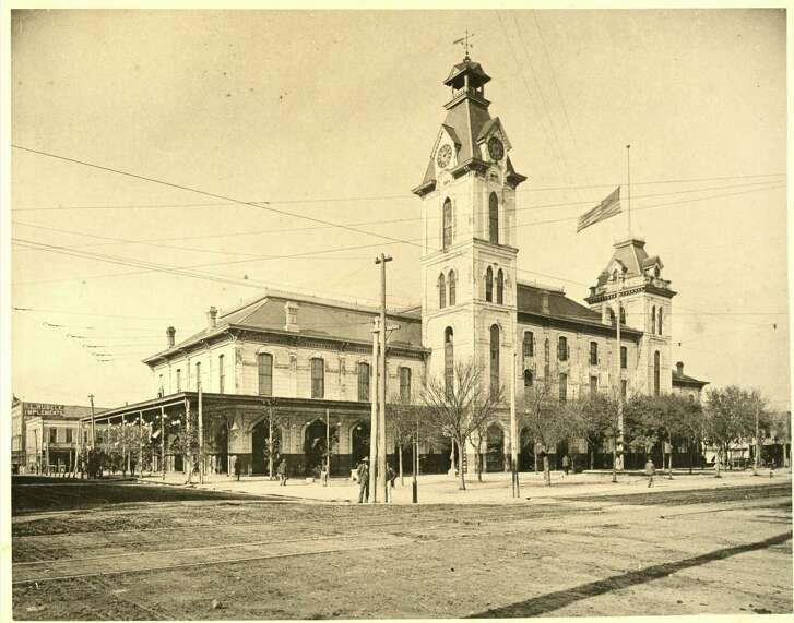 The third City Hall and Market House at Market Square, circa 1900, in Houston. It burned down in 1901.