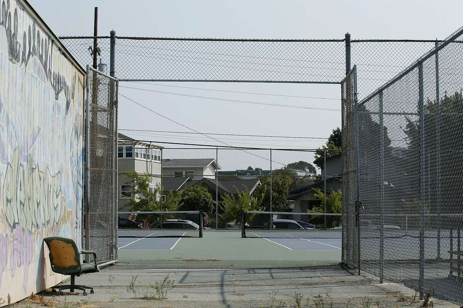The tennis courts at Oakland Technical High School on Friday, Aug. 24, 2018, in Oakland, Calif. Photo: Santiago Mejia / The Chronicle