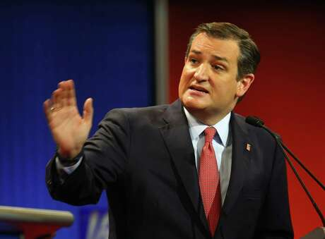 Republican presidential candidate, Sen. Ted Cruz, R-Texas, argues a point during a Republican presidential primary debate at Fox Theatre, Thursday, March 3, 2016, in Detroit. (AP Photo/Paul Sancya)