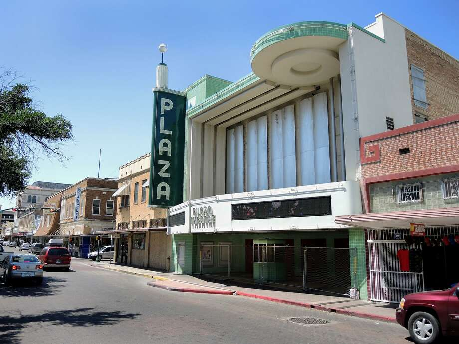 The Plaza Theater in downtown Laredo could soon breath new life.  Photo: Cuate Santos /Laredo Morning Times / LAREDO MORNING TIMES