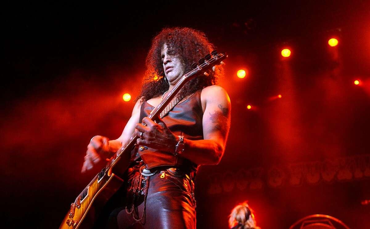 Guitarist Slash plays with Velvet Revolver performs at the Verizon Wireless Amphitheater in San Antonio on Thursday, October 28, 2004. Slash is formerly of Guns and Roses. Lisa Krantz/STAFF