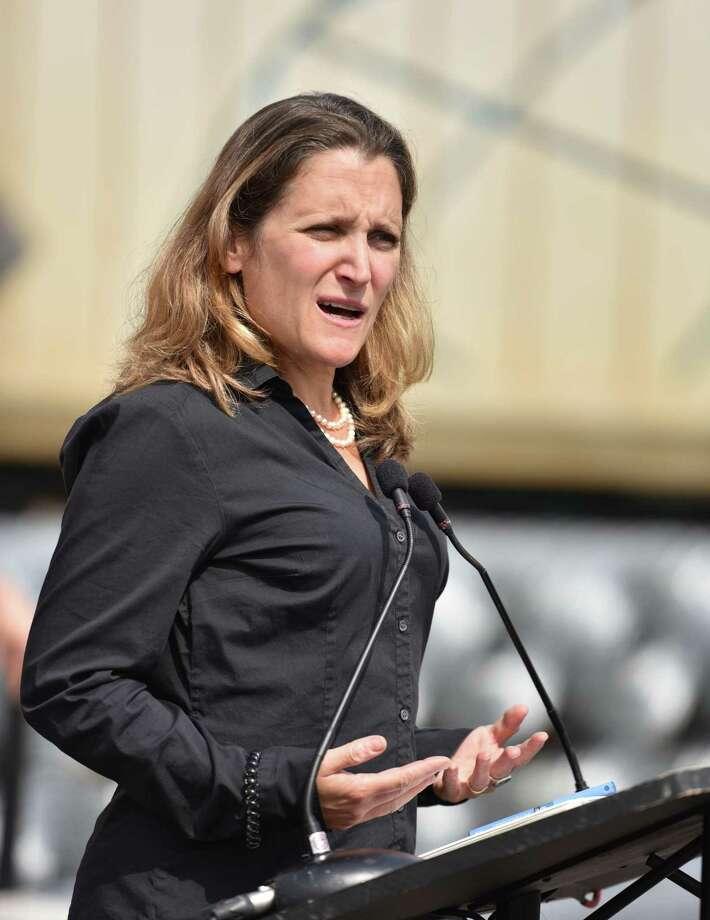 La jefa negociadora de NAFTA por Canadá, Chrystia Freeland, dijo el viernes que volverá a unirse a las pláticas del tratado una vez que Washington y la Ciudad de México terminen sus discusiones bilaterales. Photo: Don MacKinnon /AFP /Getty Images / AFP or licensors