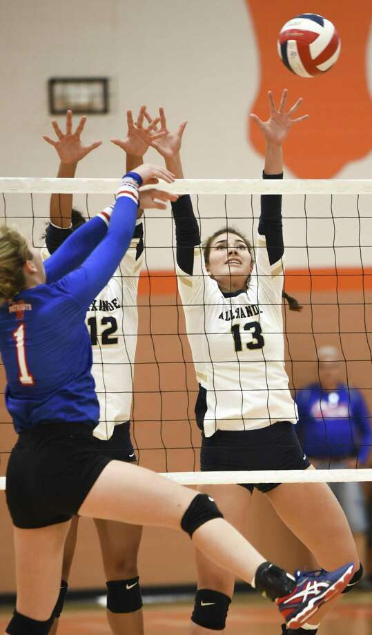 Nicole Gonzalez had 16 assists and eight digs as Alexander lost 2-1 in the championship game of the Lady Longhorn Tournament on Saturday at United. Photo: Danny Zaragoza /Laredo Morning Times