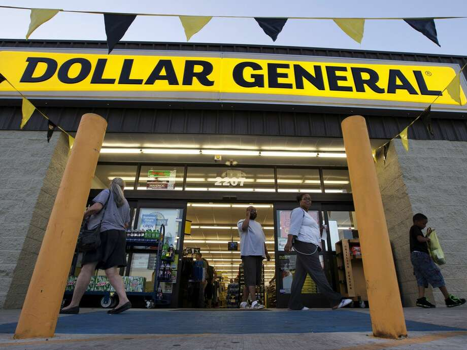 Dollar General: 975 stores
