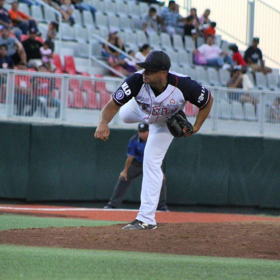 Johnathan Castellanos dropped to 0-2 with a 4.09 ERA with the Tecolotes after making his second start Sunday. Photo: Courtesy Of The Tecolotes Dos Laredos