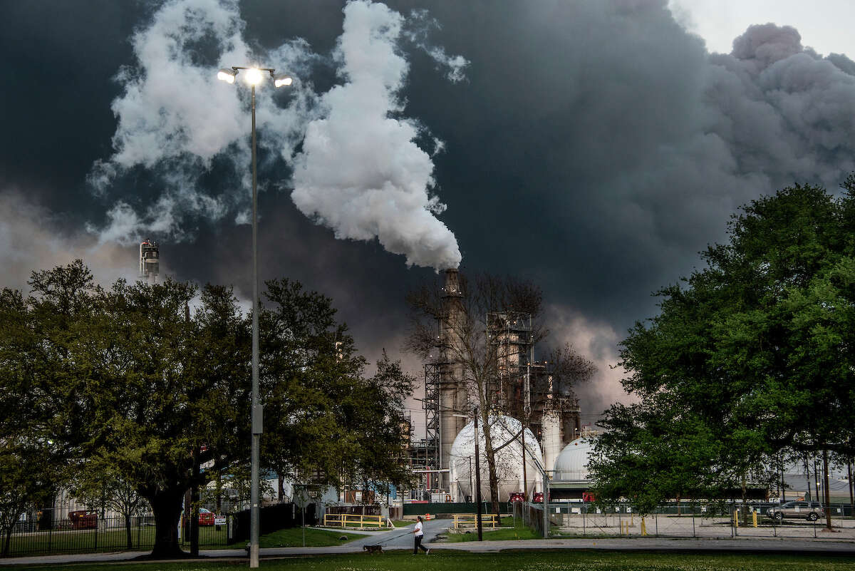 Possible photo of Valero Refinery in Manchester is attached. Credit: Karen Kasmauski, International League of Conservation Photographers.