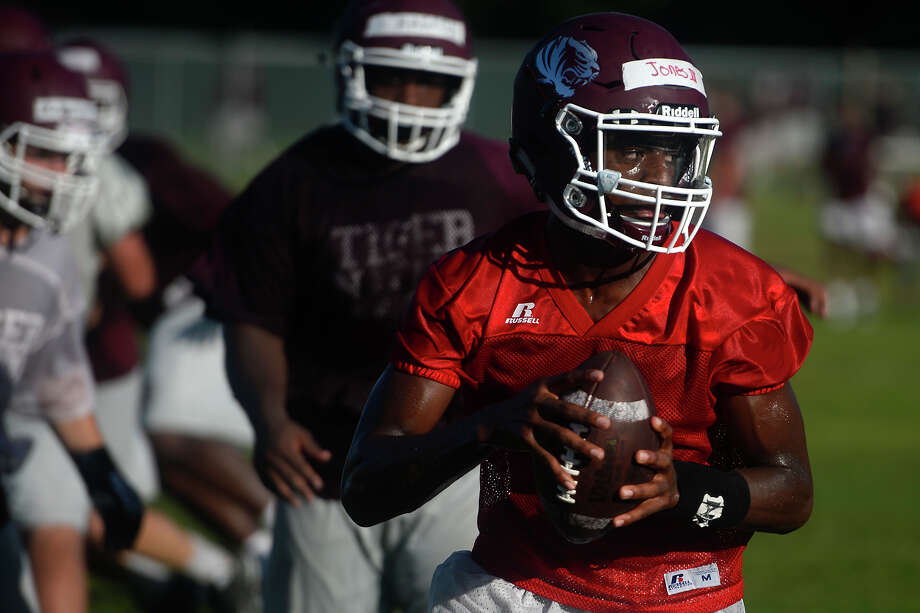 Silsbee quarterback Willie Jones III carries the ball during a drill during football practice on Tuesday morning.  Photo taken Tuesday 8/2/16 Ryan Pelham/The Enterprise Photo: Ryan Pelham/Ryan Pelham/The Enterprise / ?2016 The Beaumont Enterprise/Ryan Pelham