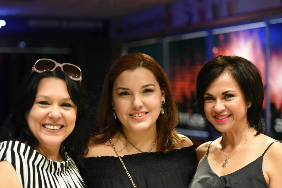 Chayanne fans before and after the Desde El Alma Tour show. Photo: Christian Ocampo