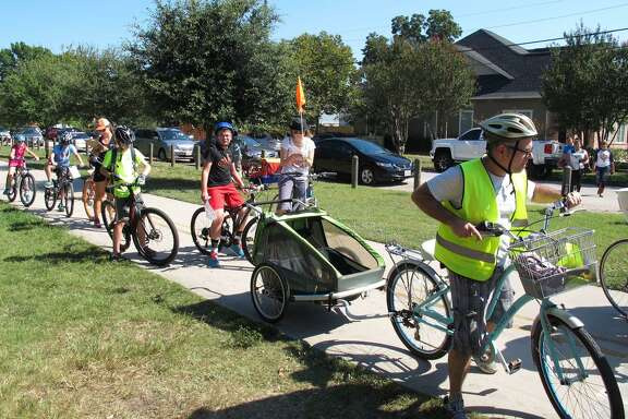 The Houston Heights Association plans to host its 2018 13th Annual Houston Heights Bicycle Rally & Scavenger Hunt on Sunday, Oct. 7, 8 a.m.-5:30 p.m. The event will feature a 20-mile ride, a five-mile ride and a new stroller and bike parade.