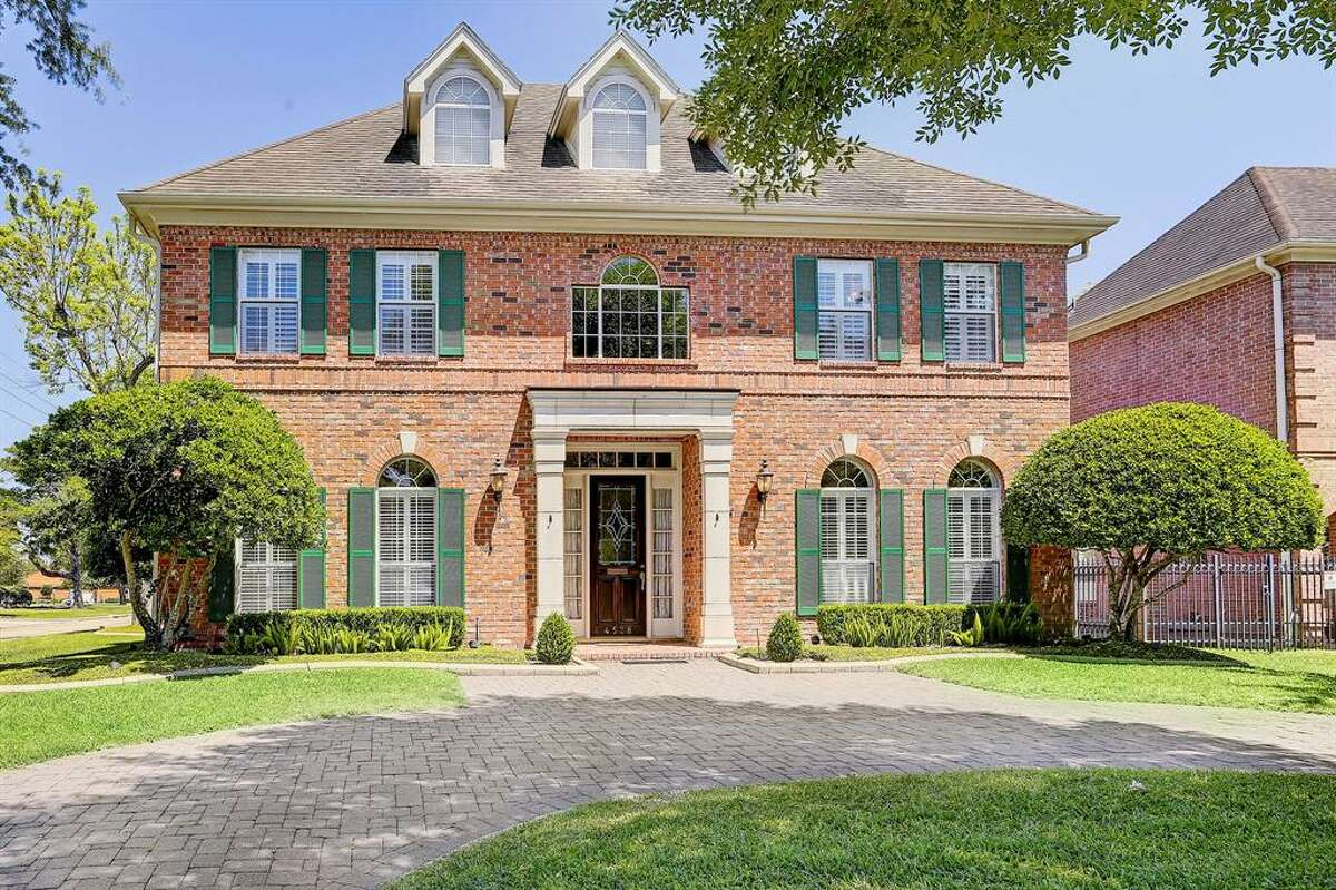 19. Bellaire Median home sales price: $975,000 Median sale price per square-foot: $252 10-year appreciation: 37 percent