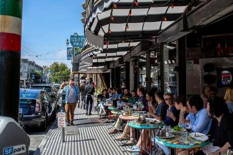 Calzone's Restaurant on Columbus Avenue. Photo: Santiago Mejia / The Chronicle
