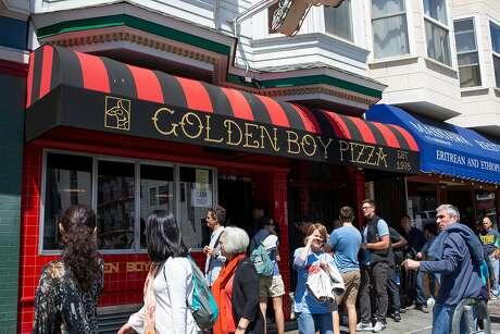 Golden Boy Pizza on Green Street draws a line. Photo: Santiago Mejia / The Chronicle