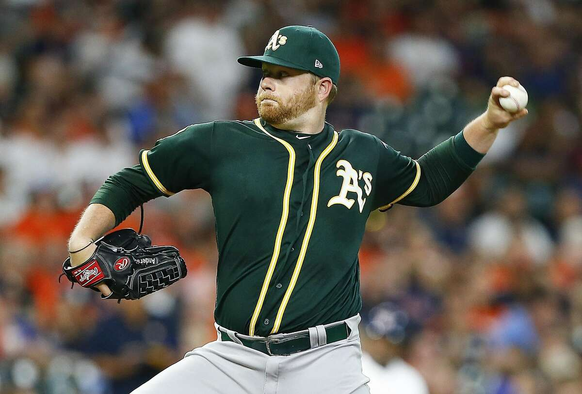 HOUSTON, TX - AUGUST 27: Brett Anderson #30 of the Oakland Athletics pitcvhes in the first inning against the Houston Astros at Minute Maid Park on August 27, 2018 in Houston, Texas. (Photo by Bob Levey/Getty Images)