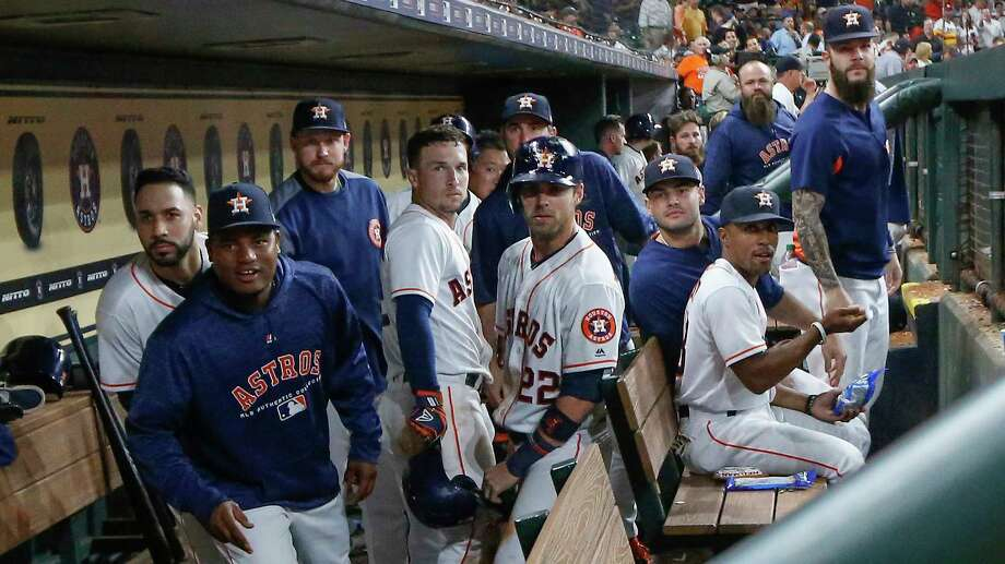 The Houston Astros makes the Bregman sit back after third bassist Alex Bregman (center), who sets off against Oakland on Monday at Minute Maid Park. Photo: Steve Gonzales, Staff Photographer / © 2018 Houston Chronicle