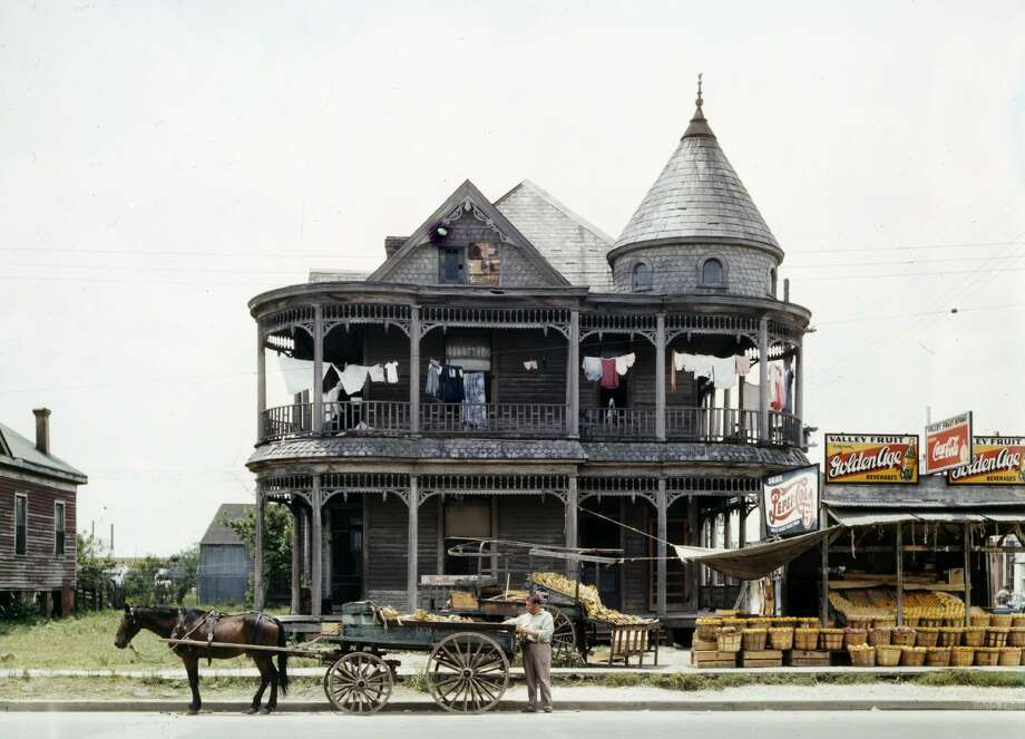 PHOTOS: A collection of firsts in the history of Houston Before Houston could become an important world powerhouse it had to learn to crawl.  >>>See some of the most important firsts in the history of the Bayou City... Photo: Universal History Archive/UIG Via Getty Images