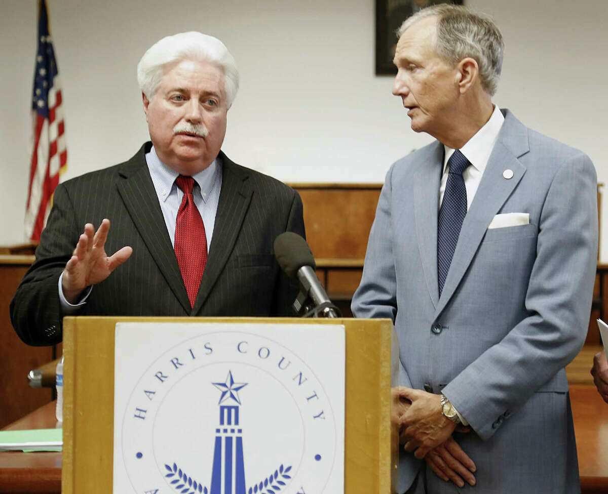 Harris County Clerk Stan Stanart (left) ( James Nielsen / Houston Chronicle )