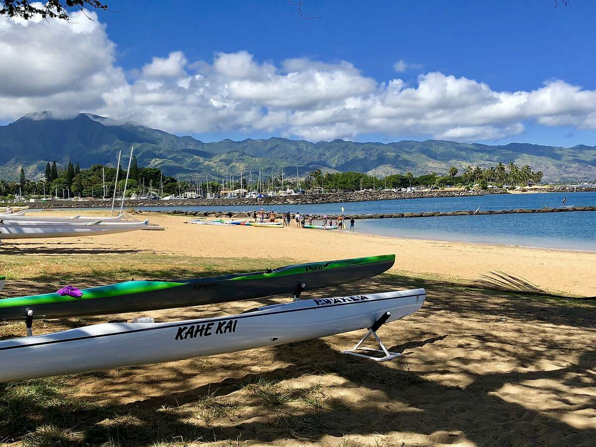 Haleiwa Beach Park, at the northern end of the town of Haleiwa, is a popular spot for outrigger canoe paddlers.