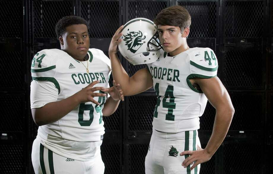 John Cooper football players Gerald Caraway (left) and Matt Krehbiel. Photo: Jason Fochtman, Staff Photographer / Houston Chronicle / © 2018 Houston Chronicle