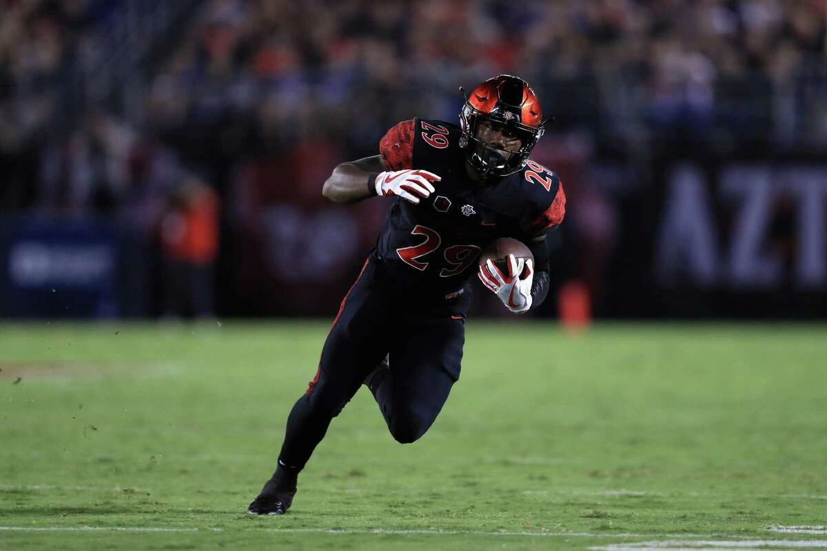 SAN DIEGO, CA - SEPTEMBER 16: Juwan Washington #29 of the San Diego State Aztecs runs upfield during the second half of a game against the Stanford Cardinal at Qualcomm Stadium on September 16, 2017 in San Diego, California. (Photo by Sean M. Haffey/Getty Images)