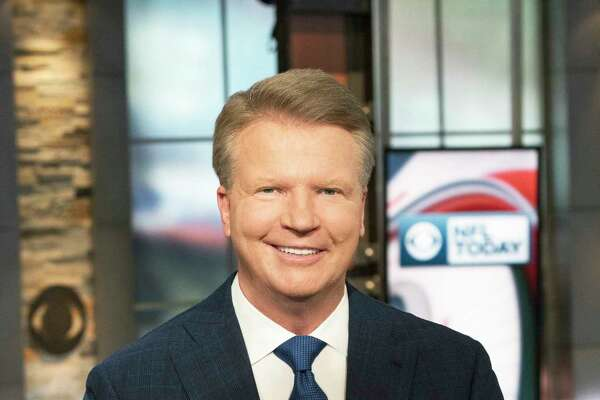 NFL Today Analyst Phil Simms Photo: John Paul Filo/CBS ©2017 CBS Broadcasting Inc. All Rights Reserved.