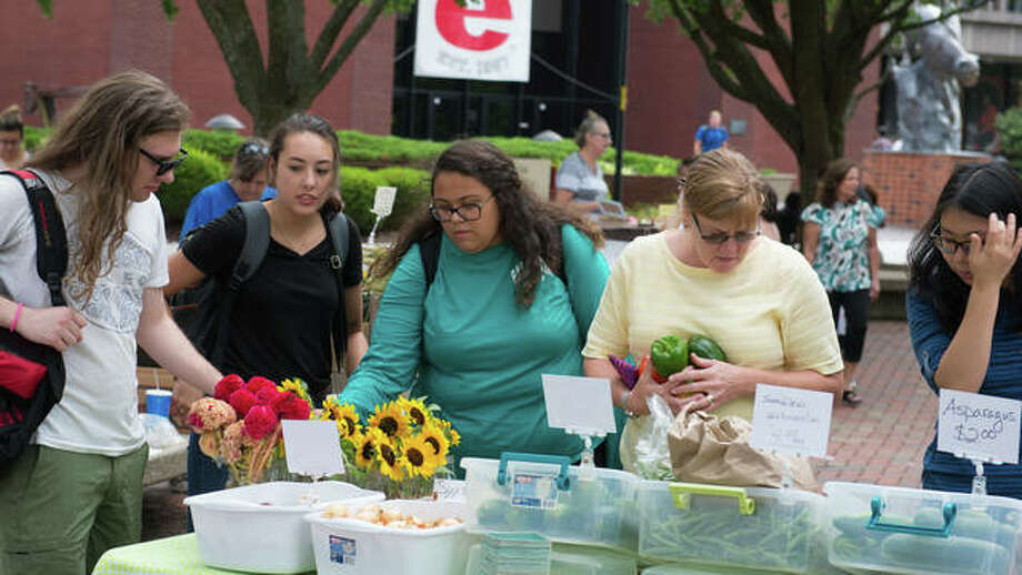 SIUE community members enjoy the Goshen Market on campus. Photo: For The Telegraph
