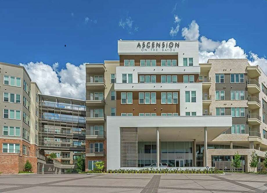 Tarantino Properties has acquired Ascension on the Bayou, a 280-unit apartment property at 150 W. Sam Houston Parkway North. Photo: Tarantino Properties
