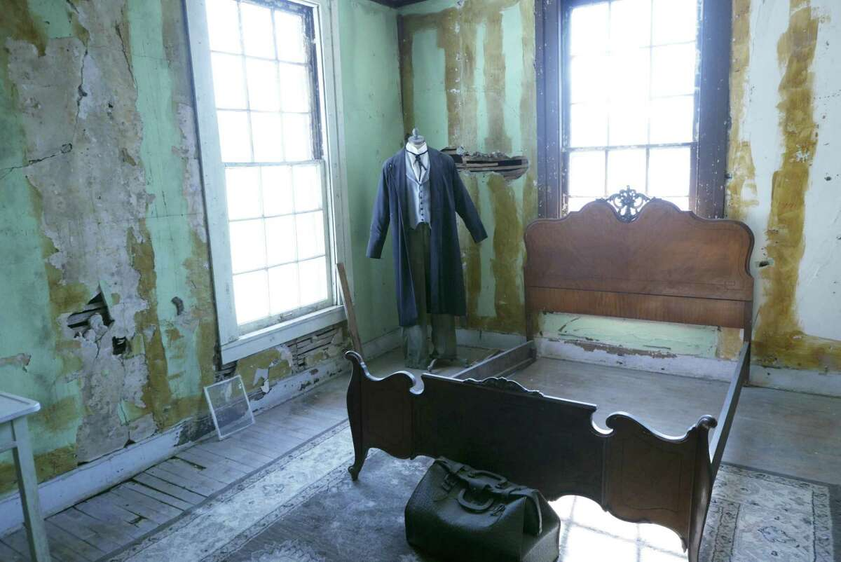 An unknown traveler is said to have committed suicide in this upper room in the Magnolia Hotel. Other spirits said to inhabit the building include the Weeping Lady, brokenhearted because her sweetheart never arrive by stagecoach, and Itsy, the young girl whose single mother locked her in their room while she went to work so she calmed herself by singing