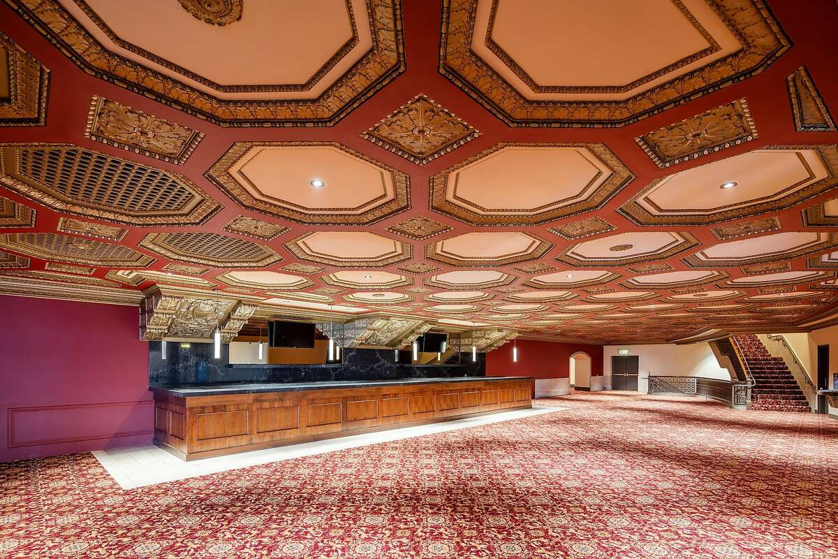 Newly painted and carpeted mezzanine bar at the SHN Golden Gate Theatre SHNSF (�Kyle Jeffers)