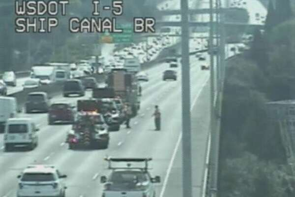Hole in I-5 Ship Canal Bridge slows SB traffic in Seattle