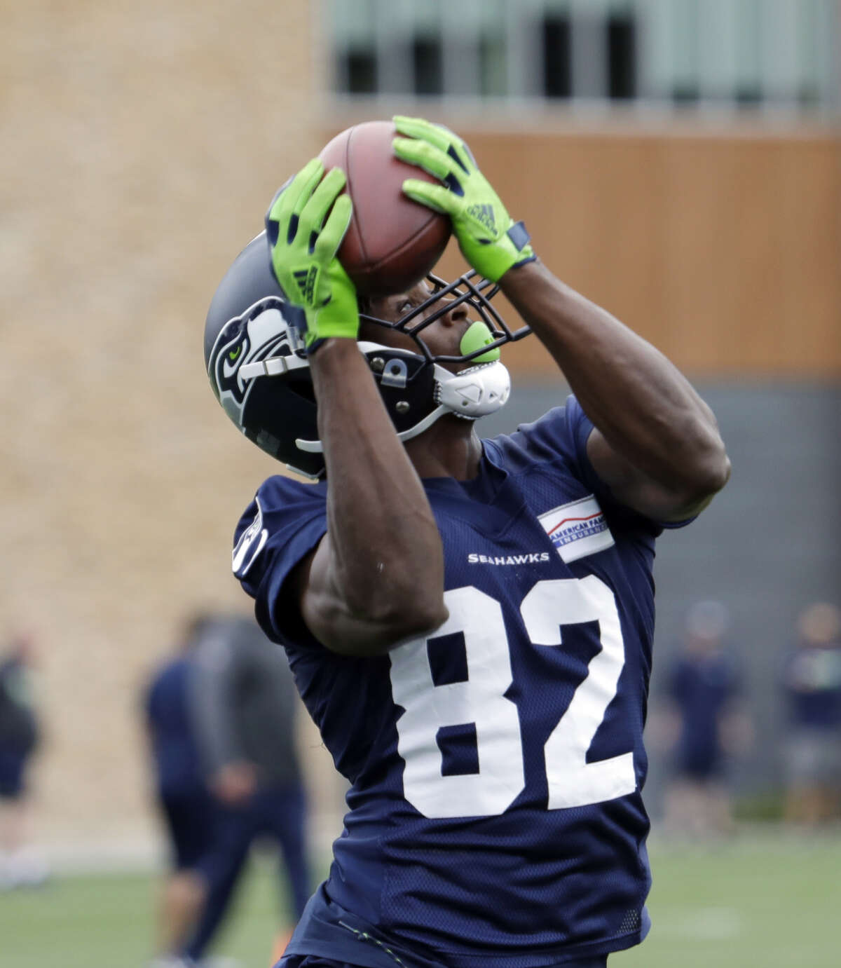 Amara Darboh needs to show the Seahawks something The second-year wide receiver is expected to play against the Raiders on Thursday. He's been one of the Seahawks' most mysterious storylines the last few weeks. Seattle invested a lot in him (a third-round pick in 2017) and you'd think he should be a lock to make the 53-man roster, but he's just missed so much time. His early career has been filled with nagging injuries. He's yet to play in a preseason game due to a hip injury and a clavicle issue. That's why Thursday is so important for Darboh. It appears that five wide receivers are locks at this point -- Doug Baldwin, Tyler Lockett, Jaron Brown, Brandon Marshall and David Moore. If Darboh plays well against the Raiders, he probably makes the team. If not, there's a chance good chance he gets cut.