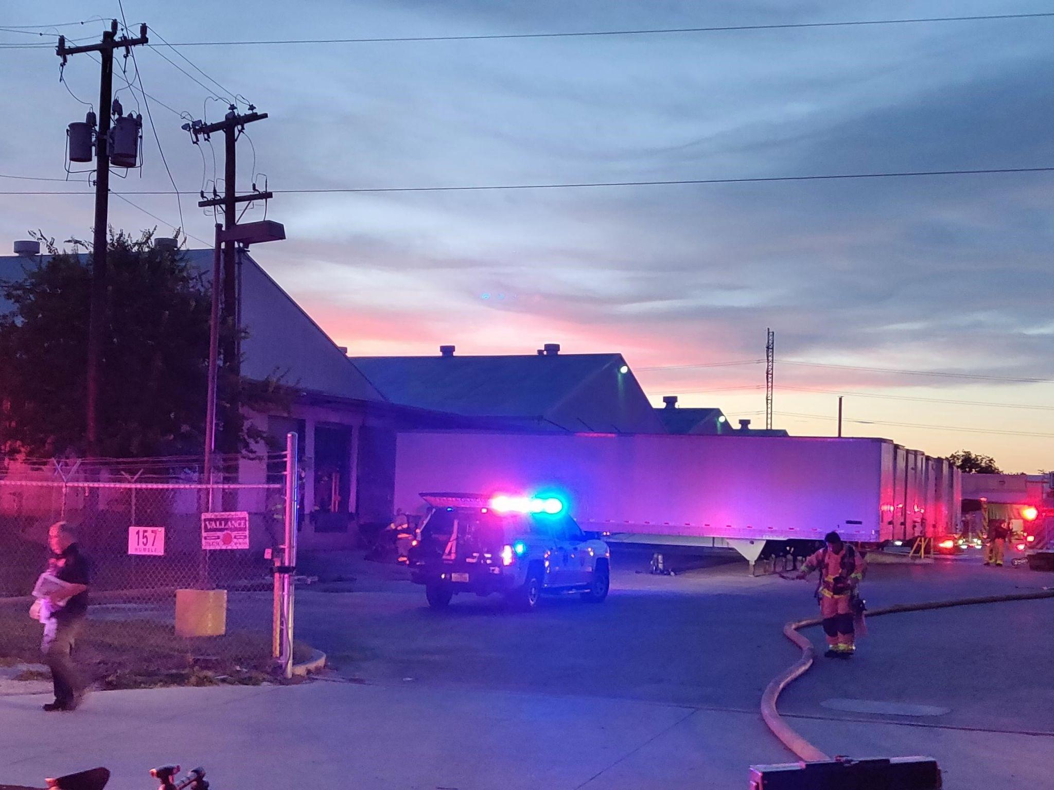 Smoke engulfs Southwest Side door factory from fire in dust