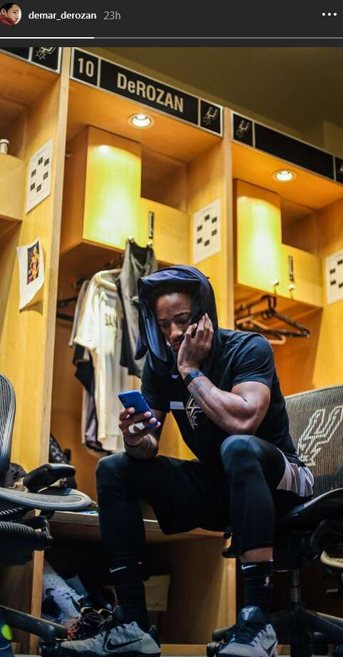 premium selection d6e12 e548f DeMar DeRozan shares first photos of himself wearing Spurs ...