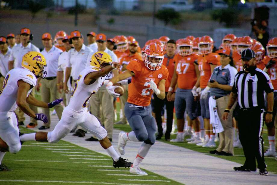 Jorge Murillo had nine catches for 148 yards and rushed for a score in United's 48-20 loss at Vela. Photo: Laredo Morning Times File