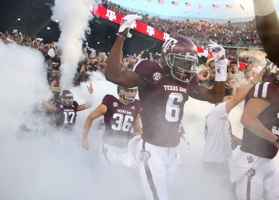 Data: Revenue and expenses for college football