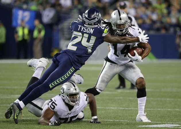 EJ Manuel makes case for backup QB job in Raiders' preseason finale