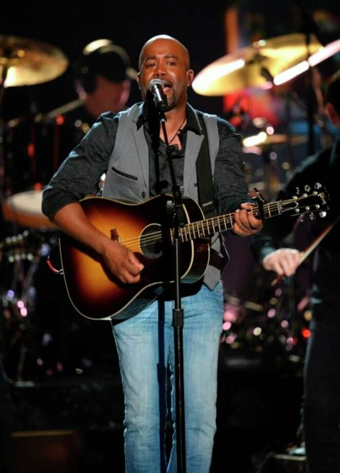 Darius Rucker performs on stage. (Photo provided)