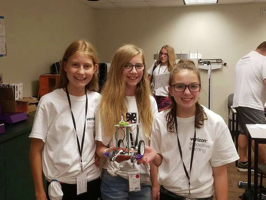 Students participate in Mid Michigan College and Verizon Innovative Learning's STEM camp. (Photo provided)